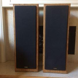 fisher stv9015 200watt 3-way tower speakers