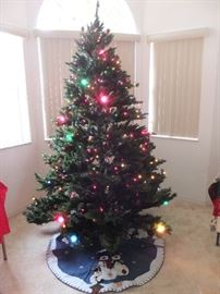 Pre-lit, 7.5 ft tree