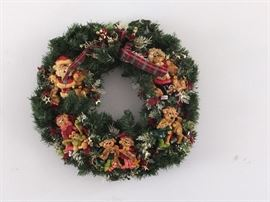 many wreaths available