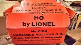 HO LIONEL.. TRANSFORMER DUAL CONTROL POWER PACK