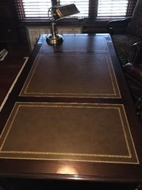 """EXECUTIVE LEATHER TOP SOLID WOOD DESK 58"""" LONG X 30"""" WIDE X 30"""" TALL"""
