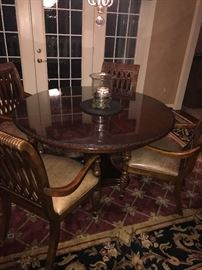 ROUND SOLID WOOD TABLE WITH 6 CHAIRS ( COMES WITH 2 LEAVES)