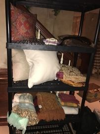 DECORATIVE PILLOWS AND LINENS