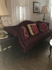 Traditional living room vintage sofa, end tables. lamps