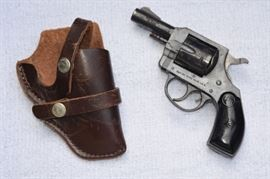 H&R Model 732 .32 CAL. S&W - W/HOLSTER