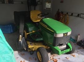 John Deere 345 Riding Lawn Tractor & Snow Plow