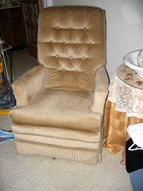 swivel rocker chair like new
