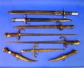 Bayonets, Knifes