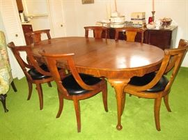 Mid Century Table w/3 leaves, 6 Chairs & Table Pads