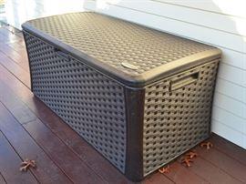 Suncast storage bin