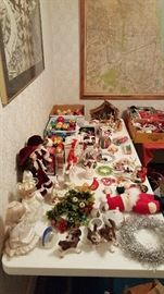 Many christmas items