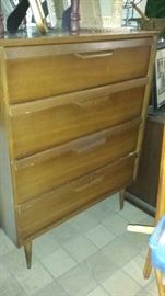 Bassett chest of drawers plus 4 other dressers to pick from