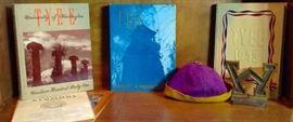 1943 University of Washington Tyee and Beanie Hat