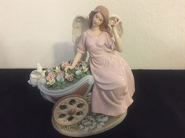 """Large 11""""x 11"""" Hand Painted Members Mark Porcelain Angel w/box"""