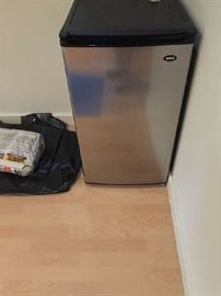 perfect dorm or guest area fridge - $70