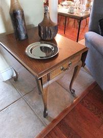 Thomasville drop leaf table