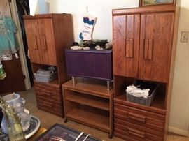 #19 (2) Palliser chest of drawers 30x48 $50 ea #21 rolling entertainment center lamiate $15 #20 small trunk on legs 25x15x21 $45 — at Chaney Thompson Dr Hsv 35803 call 256-425-283zero.
