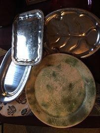 Many serving platters/pans