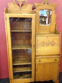 Stunning Oak Secretary with shelves and key. Perfect condition.