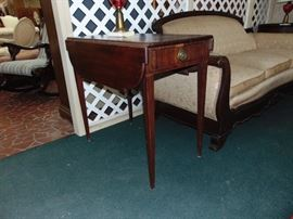 Period Southern Pembroke Sheraton Table