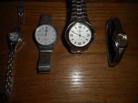 Watches Lorus, Details and Quartz