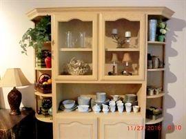 More knickknacks, china, and glassware