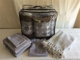 Lot # 7 - Queen comforter, 2 pillow shams, 3 decorative pillows, shower curtain, sheet set and throw blanket - $ 50.00