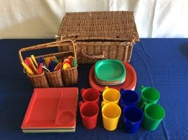 Lot # 10 - Picnic basket and accessories $ 20.00