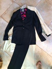 St John Knit suit size 4