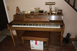 Wurlitzer upright Piano. Beautiful condition priced to sell.