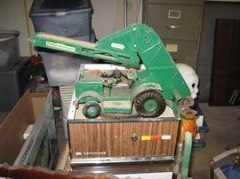 Barber Green Conveyor by Doepke Model Toy Company