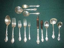 "Wallace Sterling ""Meadow Rose"" Flatware Set (12 Place Settings plus Serving Pieces)"
