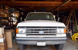 1990 Ford F(450?) XL mobile diesel repair truck. 54,000 miles on odometer showing, has winch and compressor along with box. please see description page for more info. truck can be seen before sale by appt and only truck. no presale or other looking please.