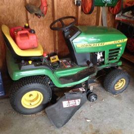 John Deere - STX38 Hydro lawn tractor - $ 550.00