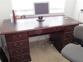 GREAT OFFICE DESK