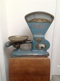 Antique Springless Scale