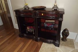 """""""Seven Seas""""by Hooker entry table, accent lamps and round mirror"""