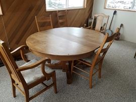 Round Table with Leaf (in picture)...6 Chairs.