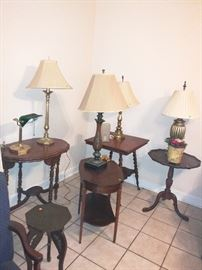 Several beautiful, antique side tables and lamps
