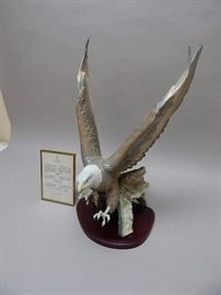 "Lladro Eagle ""Justice"" Retired furgurine"