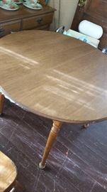 haywood wakefield table with 2 leaves