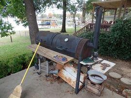 Heavy steel Bar-B-Que cooker.