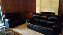Comfy leather sofa and loveseat in excellent condition