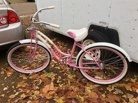 Girls Schwinn bicycle