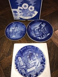 DECORATIVE COLLECTABLE PLATES