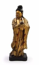 A LARGE  CARVED GILT WOOD STANDING FIGURE OF KANNON, EDO DYNASTY (1603-1867)