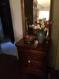 Small 2-drawer chest and mirror