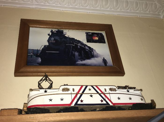 LARGE SCALE ELECTRIC TRAIN ENGINE