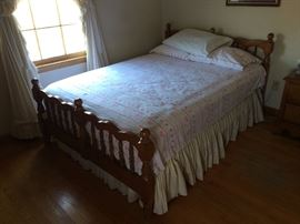 Vintage full size bedroom suite