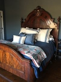 Gorgeous Henredon King size bed